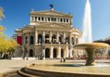 Statten Sie auch der Mainmetropole Frankfurt mit der Alten Oper einen Besuch ab.
