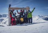 Hotel Ochsen 2 in Davos Platz, Bild Gruppe Skifahrer