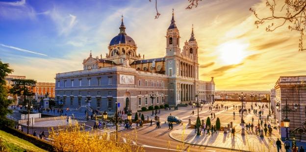 Freuen Sie sich darauf, die spanische Hauptstadt Madrid kennenzulernen.