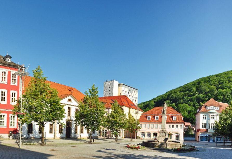 Das historische Rathaus am Marktplatz von Suhl.