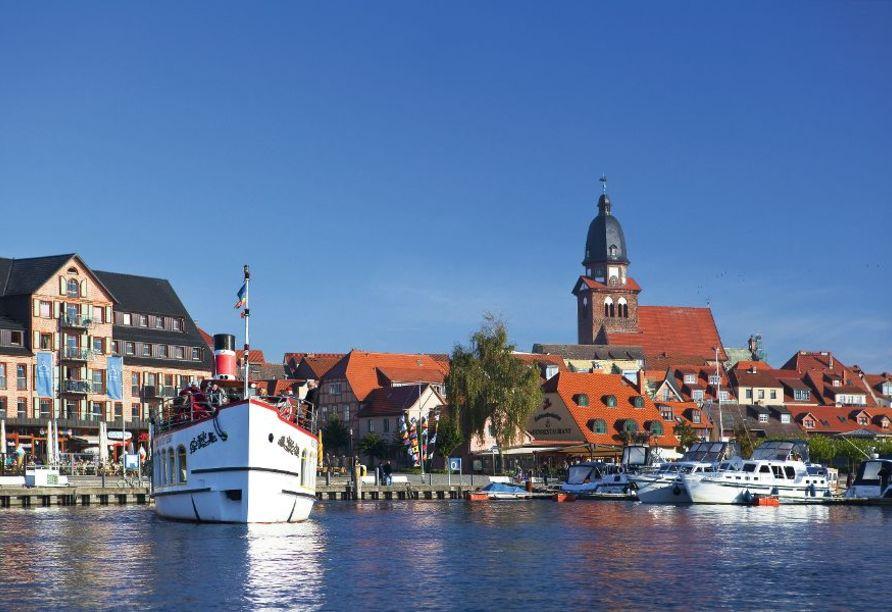Besuchen Sie auch den schönen Hafen von Waren (Müritz).