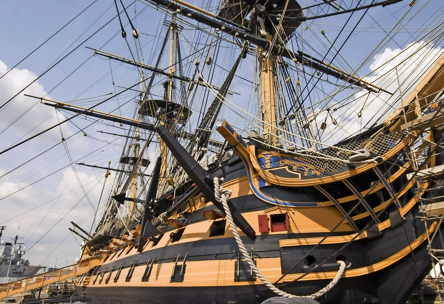MS Artania, Portsmouth