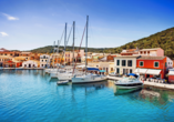 Der idyllische Hafen in Gaios auf der Insel Paxos