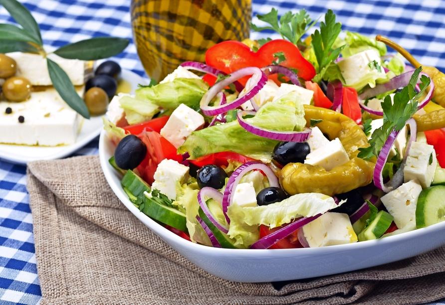 Genießen Sie die griechische Küche vor Ort.