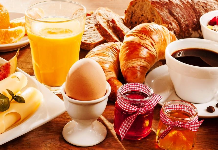 Buntes Frühstücksbuffet.