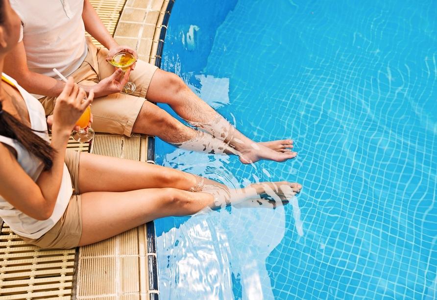 Hotel MiRaBelle Goldstrand, Paar am Pool