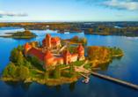 Die Wasserburg Trakai ist eine der bekanntesten Sehenswürdigkeiten Litauens.